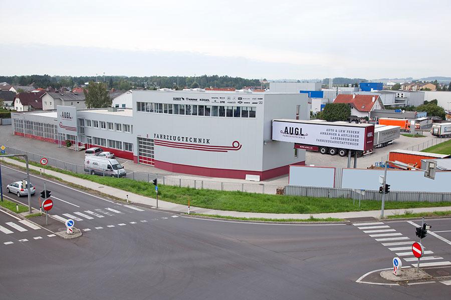 Firmenhalle, Pasching
