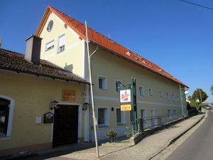 Zinshaus, Eggendorf
